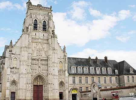 Abbaye de Saint-Riquier - musée départemental