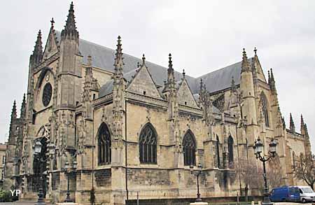 Basilique et flèche Saint-Michel