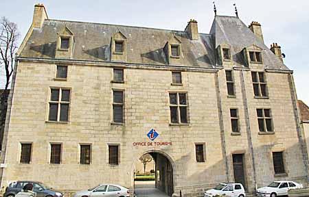Maison d 39 oz office de tourisme alen on for Maison france confort alencon