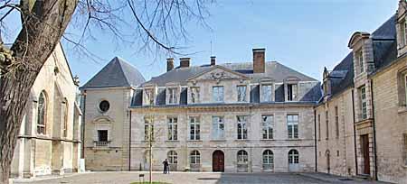 Palais épiscopal - Musée d'Art Moderne