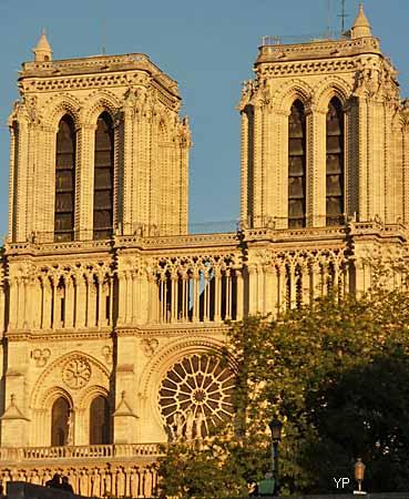 Cathédrale Notre-Dame de Paris - Tours de la cathédrale