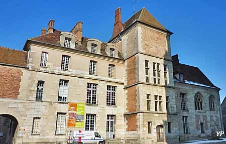 Cité épiscopale - Musée Bossuet