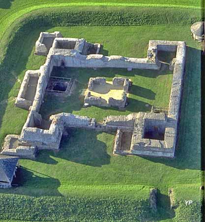 Musée Archéologique départemental - bâtiment central (forteresse)