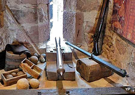 armes à feu du 16ème siècle  ayant servi à la défense de la cité par les bourgeois-soldats