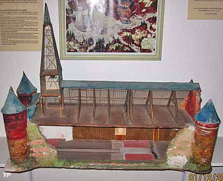 Musée de la Thiérache - maquette d'une église fortifiée