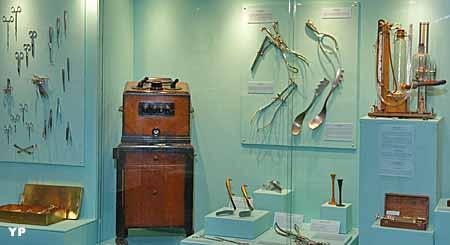Instruments de gynécologie-obstétrique et de chirurgie