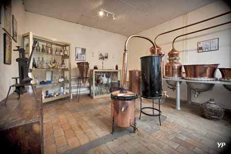 Distillerie du Noyau de Poissy