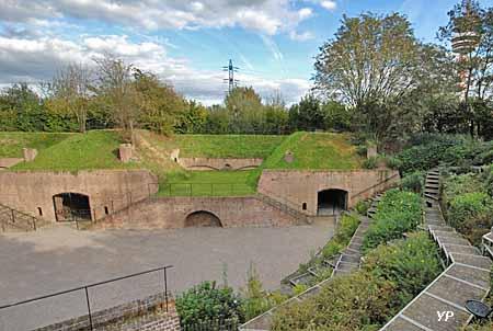 Fort de Mons - crêtes d'artillerie