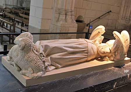 Collégiale Saint-Ours - tombeau d'Agnes Sorel
