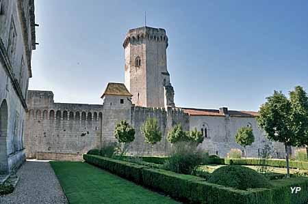 Château de Bourdeilles - château médiéval, donjon
