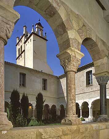Eglise Saint-Michel et cloître