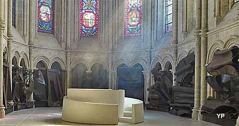 Eglise Saint-Jean-Baptiste - Chœur de lumière (Anthony Caro)