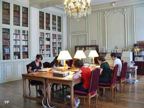 Salle de lecture des Archives de la ville de Dijon