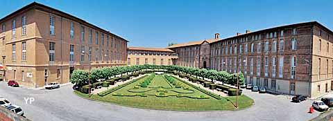 Hôtel Dieu Saint-Jacques - salles patrimoniales, chapelle et jardin