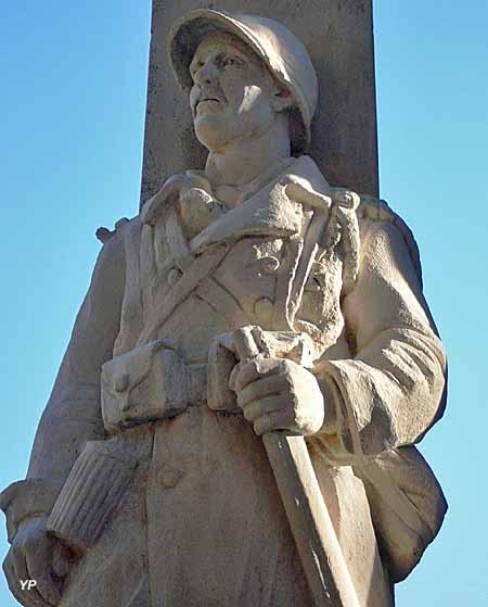 Monument aux Morts, oeuvre du sculpteur Antoine Sartorio