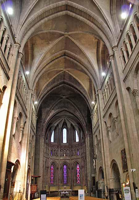 Collégiale Saint-Barnard