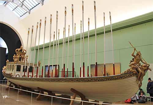 Canot de l'Empereur (canot d'apparat construit en 1810 pour Napoléon 1er et l'impératrice Marie-Louise lors de la revue de l'escadre à Anvers le 30 avril 1810)