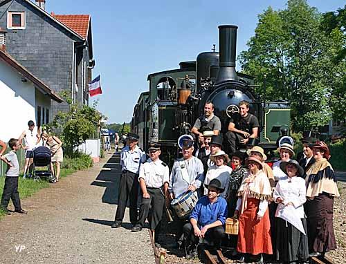 Train Thur Doller Alsace - en costume pour le train Belle époque