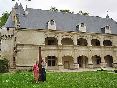 Château Phenix de Dampierre - M. et Mme Hédelin  - propriétaires du château
