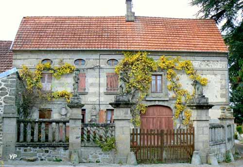 Seconde maison de François Michaud-Sculptures de Marianne et Jules Grévy