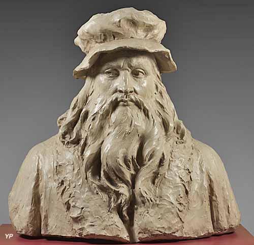 Musée de l'Hôtel de ville -  buste de Léonard de Vinci