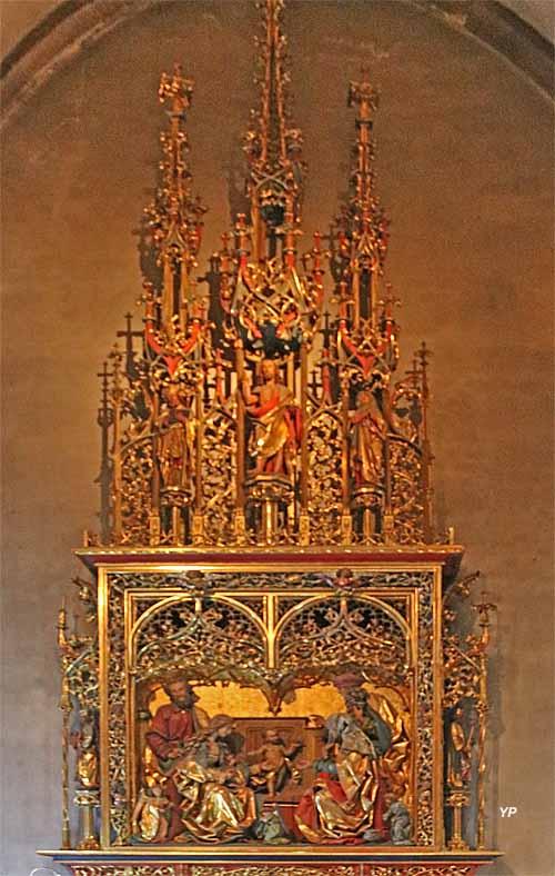 Collégiale Saint-Martin - retable néogothique de la sainte parenté de Jésus (bois sculpté polychrome, XIXe s.)