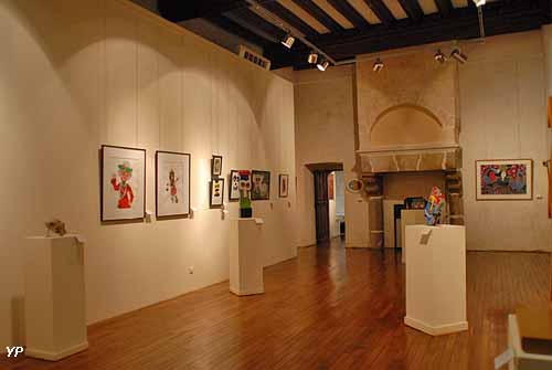 Vieux château - Musée d'Art Naïf et d'Arts Singuliers