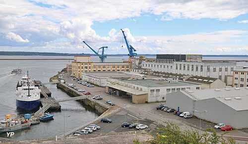 Port de commerce brest - Surplus militaire brest port de commerce ...