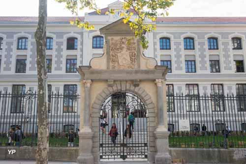 Collège la Tourette