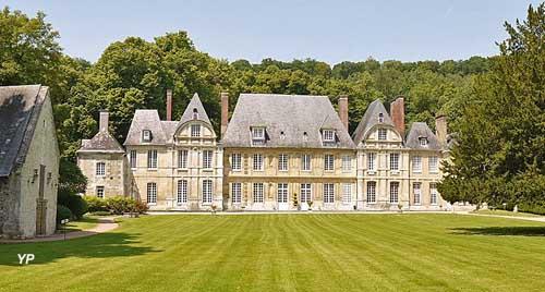 Château du Taillis - cour d'honneur