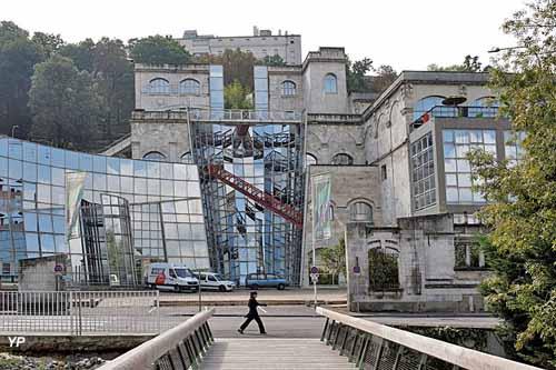 Cité internationale de la bande dessinée et de l'image - Vaisseau Moebius (architecte Roland Castro)