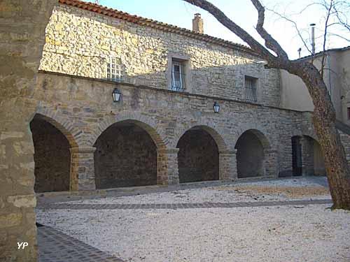 Cour de l'ancien prieuré