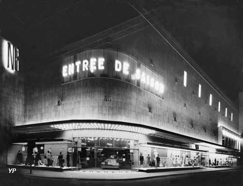 La façade des Nouvelles Galeries en 1962