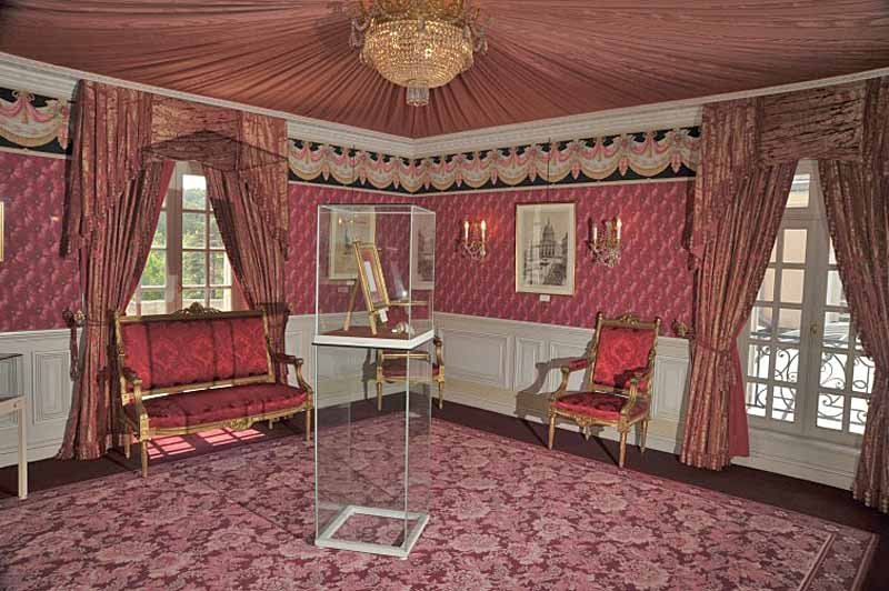 Maison littéraire de Victor Hugo - Château des Roches - Salon Rouge
