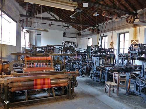 Salle des machines,   anciens métiers à tisser
