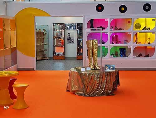 Musée des Métiers de la Chaussure - exposition temporaire 2018 : Les années 70