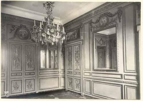 Les divertissements dans un salon de Grasse sous le Premier Empire
