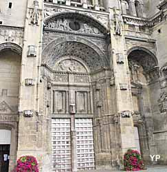 Église Saint-Gervais Saint-Protais - portail principal