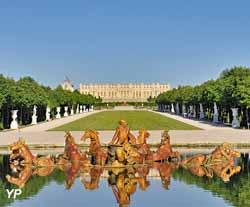 les jardins et le Grand Canal du château de Versailles