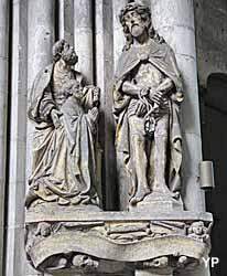 Amiens, cathédrale Notre-Dame - monument funéraire de Pierre Bury (XVIe s.)