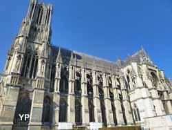 Cathédrale Notre-Dame - portail droit