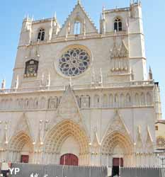 Cathédrale - Primatiale Saint-Jean (Yalta Production)