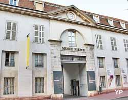 Musée Nicéphore Nièpce - Hôtel des Messageries Royales (Yalta Production)