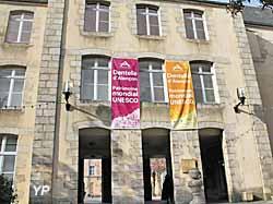 Musée des Beaux-Arts et de la Dentelle (Yalta Production)