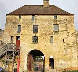 Château Ducal - Porte des Champs