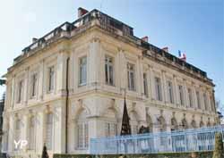Palais archiépiscopal - musée des meilleurs ouvriers de France (Yalta Production)