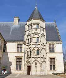 Hôtel des Echevins - musée Maurice Estève