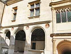 Hôtel Lallemant - musée des Arts Décoratifs