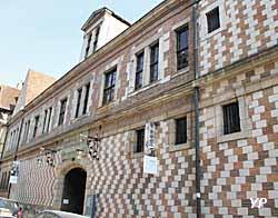 Hôtel de Mauroy - Maison de l'Outil et de la Pensée Ouvrière (Yalta Production)