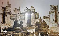 château de Pierrefonds - photo des ruines du château en 1855 avant la restauration